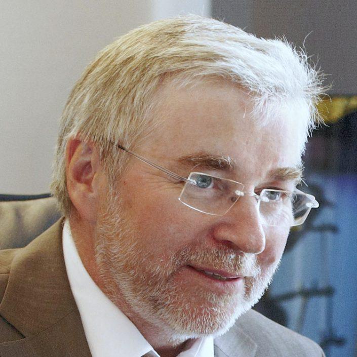 Helmut Schmelzeisen, Steuerberater und Wirtschaftsprüfer